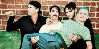 Red Hot Chili Peppers Konser di Halaman Rumah Flea